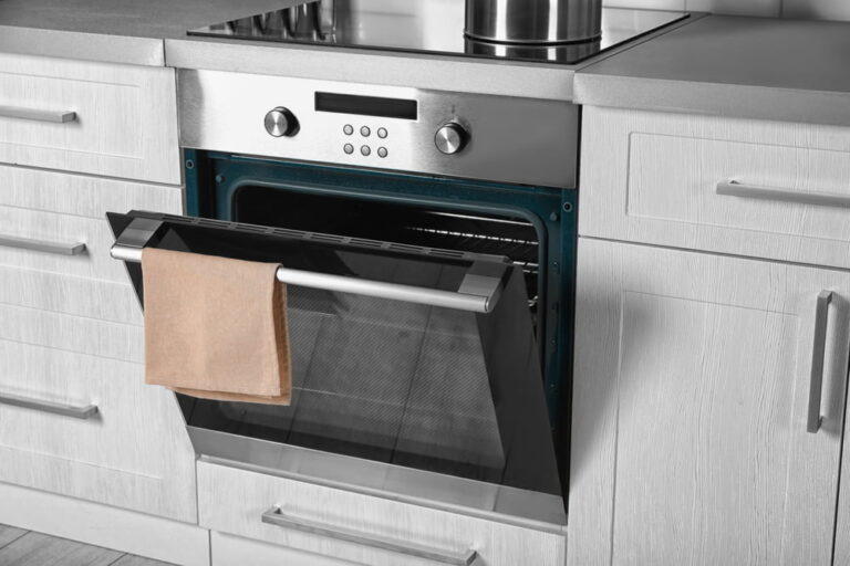 We offer oven door repairs, oven glass replacement, and oven seal repairs for all your electric cooktop, stove and oven services. We are your local experts for oven repairs near me